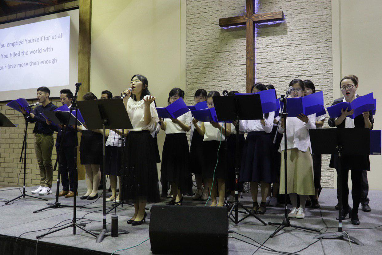 olivet-university-jcm-hosts-student-graduation-concert