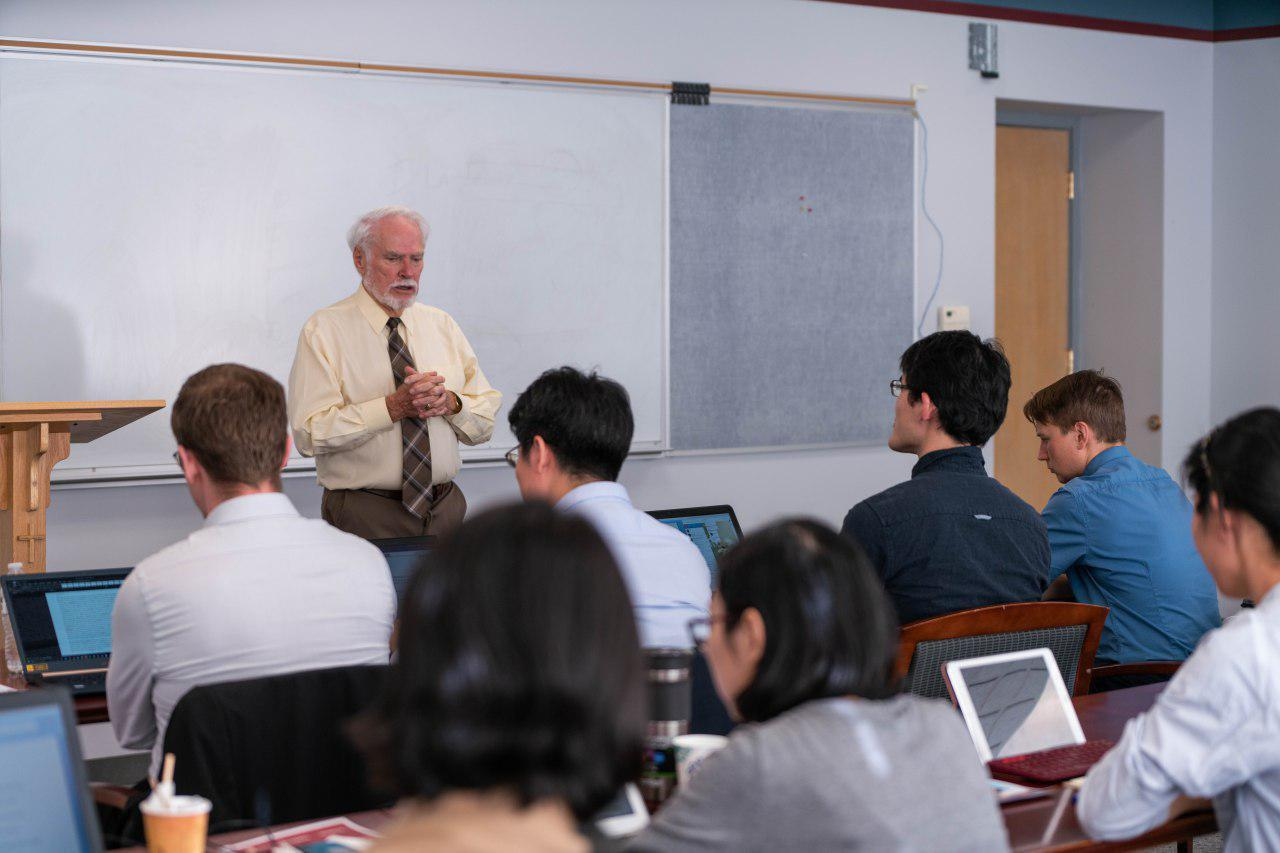 Ministry Track Sessions Help Doctoral Students Focus on Final Research Project